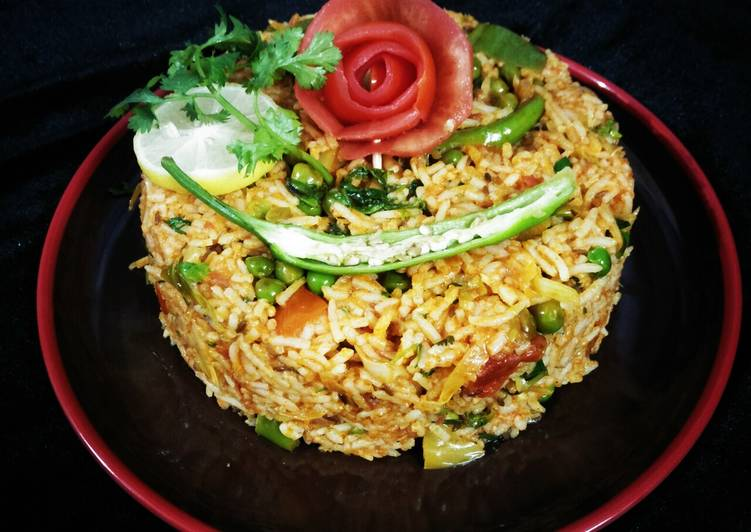 What is Dinner Easy Quick Tomato Pulao (mumbai street style)