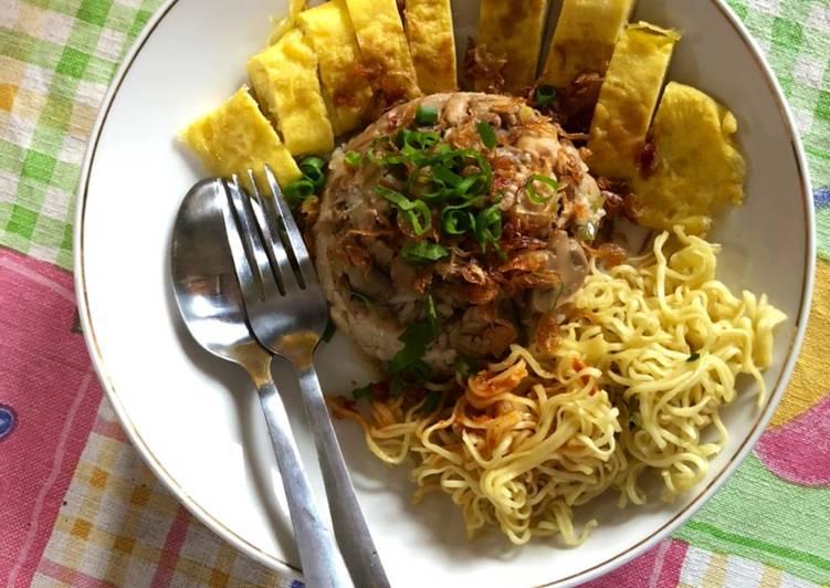 Nasi Tim Ayam Jamur & Egg Roll