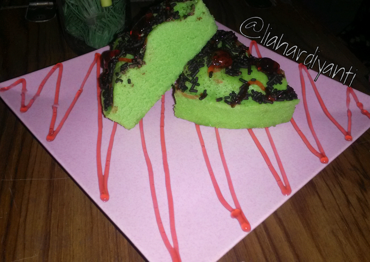 Resep Bolu kukus pandan lembut,enak dan praktis (takaran sendok), Lezat Sekali