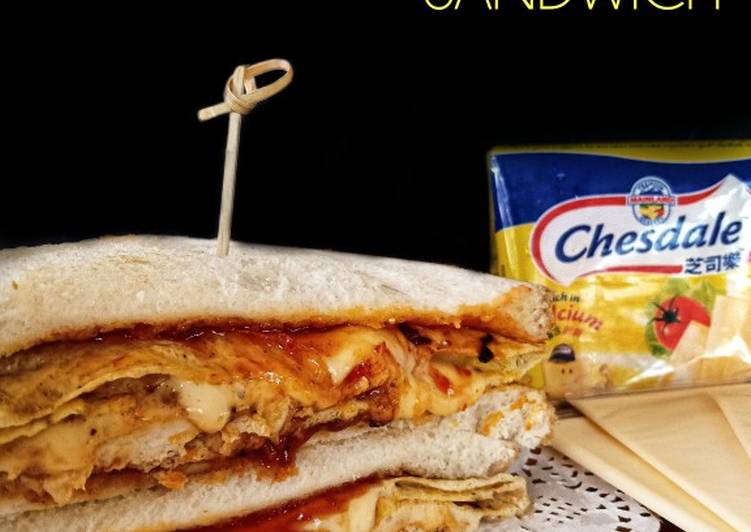 Cheezy Special Chicken Grilled Sandwich - velavinkabakery.com