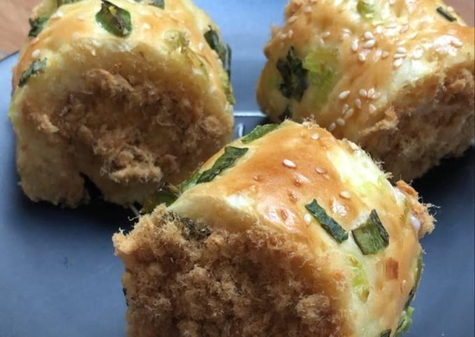 Chicken Floss Roll Bread / Roti Gulung Abon Ayam