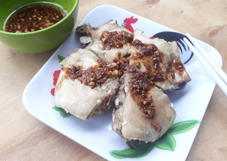 Langkah Mudah untuk Menyiapkan Ayam Jahe Kukus Hainan Anti Gagal