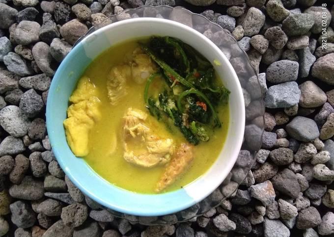 Gulai ayam daun ubi plus tahu tempe