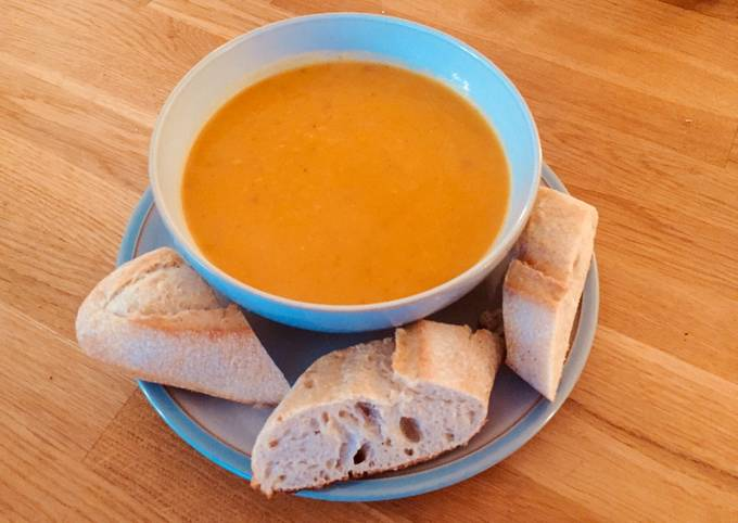 Sweet potato and red chilli soup 🍠🌶