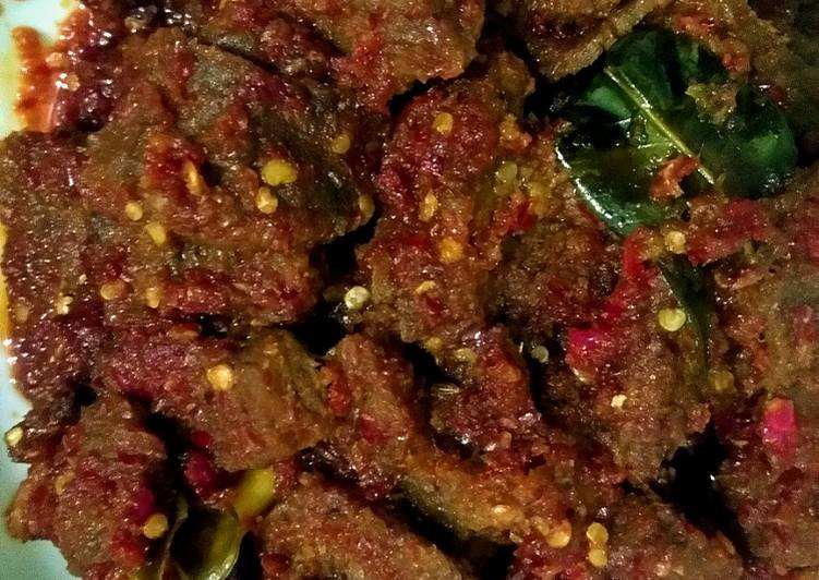 Semur daging sapi pedas