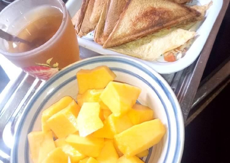 Toast bread n green tea with pawpaw #pizzasok
