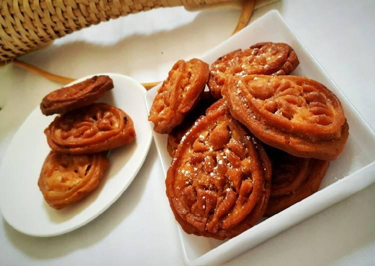 Pakon pitha (Sankranti special moong dal pitha)