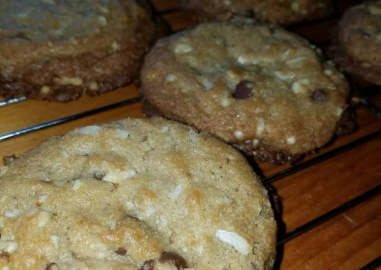 Ultimate Almond Joy Cookies