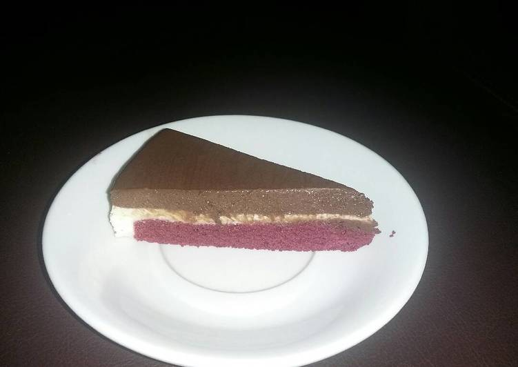 Red Velvet Cake With 2 Layer Choco Mousse