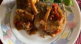 Hình ảnh món Cá nục chuối kho riềng và nước dừa