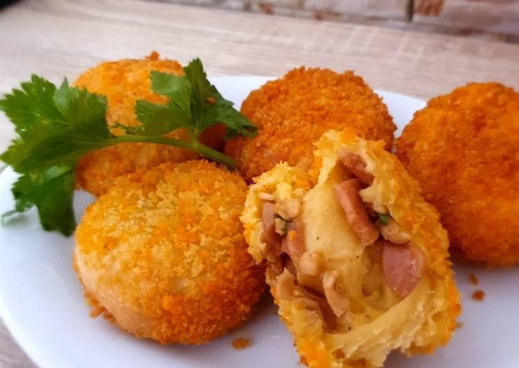 Roti Goreng Isi Ayam + Sosis