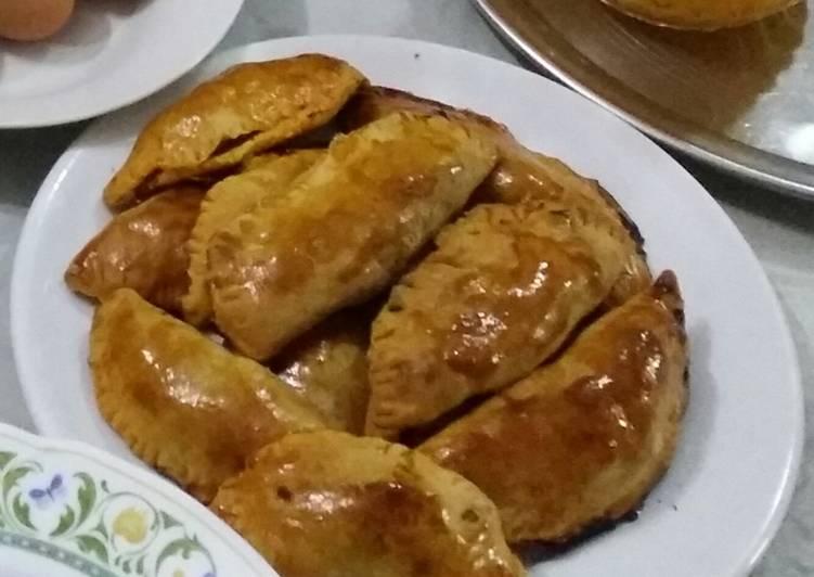 Pie isi ayam