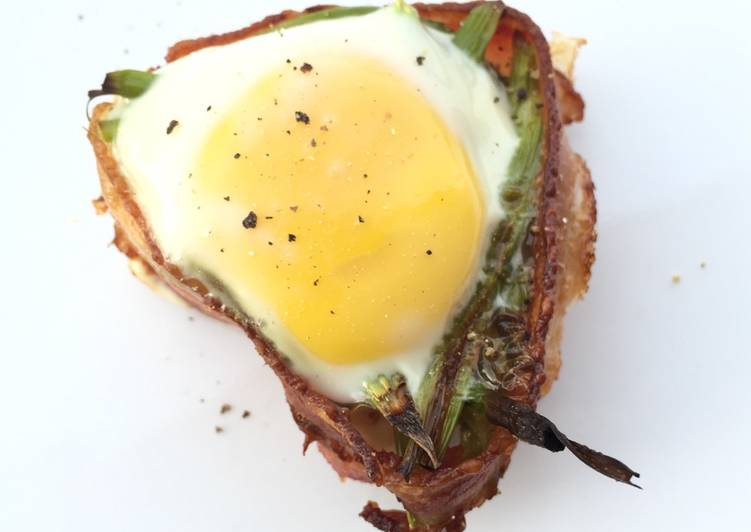 Asparagus And Egg In Bacon Cup
