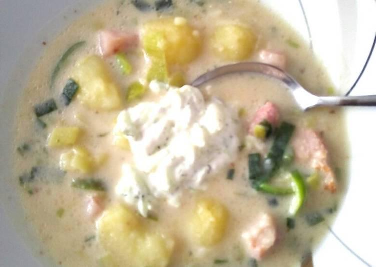 How to Make Appetizing Milder Kartoffeltopf mit frischer, kühler Dill-Gurken-Mitte