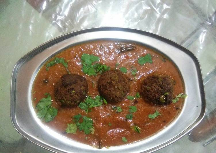 Step-by-Step Guide to Make Quick Matar kofta curry