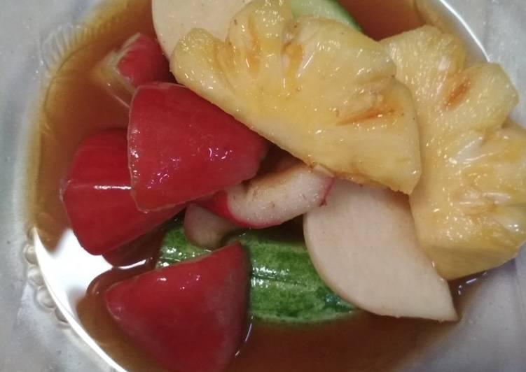 Asinan buah Betawi