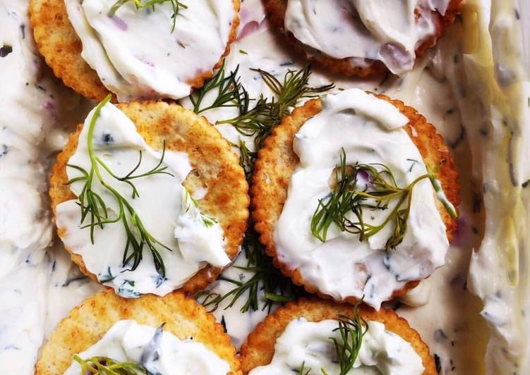 Recipe of Award-winning Creamy Dill Dip
