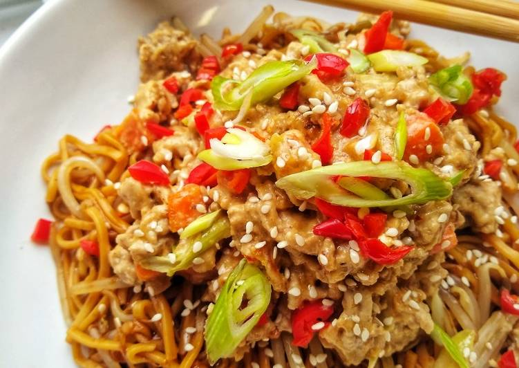 Hot Peanut & Chilli Noodles