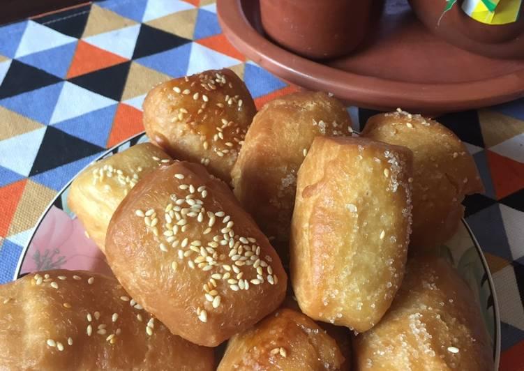 Bolang baling (roti goreng manis)