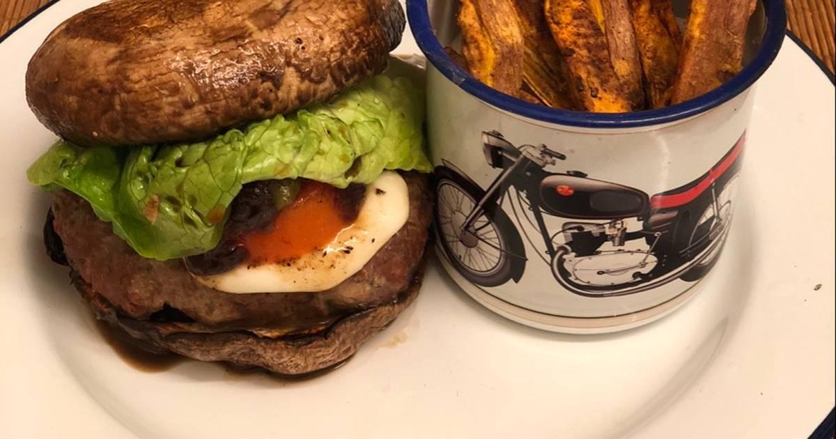 Venison Burger In A Portobello Mushroom Bun Recipe By Philip Pantelides Cookpad