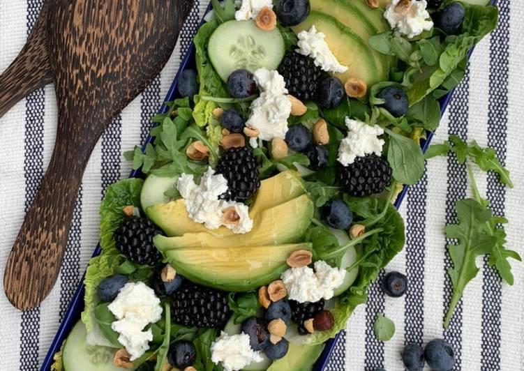 Salade de roquette/mâché aux mûres et myrtilles