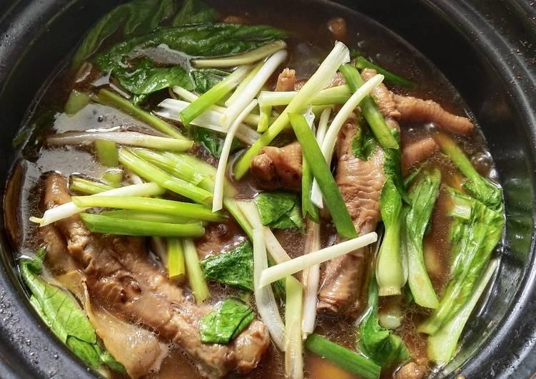 Chicken Feet Herbal Soup - velavinkabakery.com