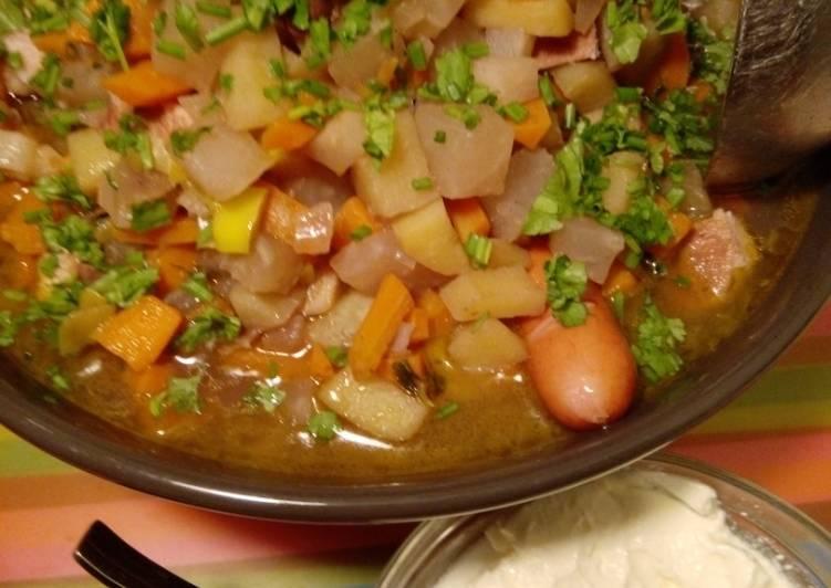 How to Make Appetizing Samstagseintopf: Gemüsesuppe mit Fleischeinlage und Schuss