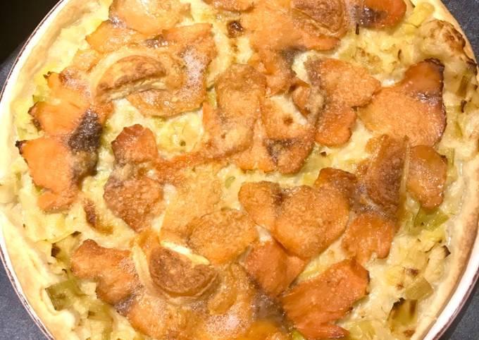 Tarte fine aux poireaux au crottin de chavignol et saumon