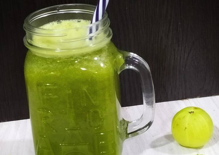 Amla mint ginger juice, Indian Gooseberry juice. Detox drink