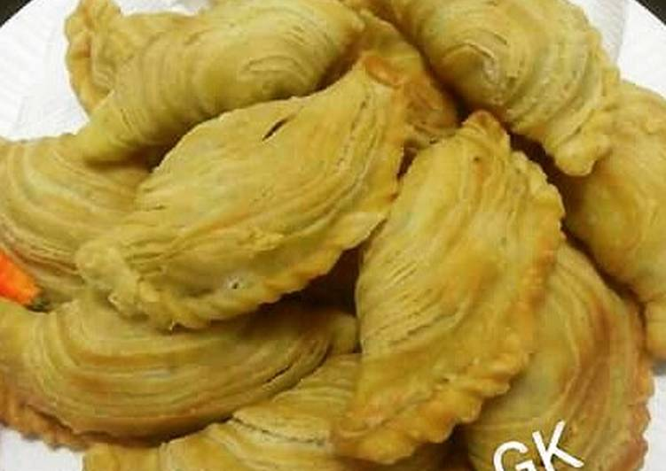 Curry Puff / Pastel Putar