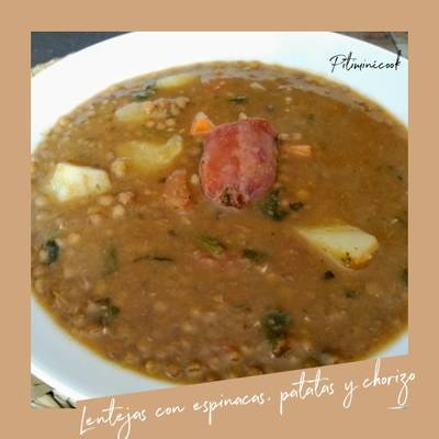 Lentejas Con Espinacas Patata Y Chorizo Receta De Rosa Izquierdo Pitiminícook Cookpad