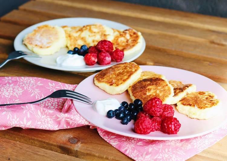 """""""Syrnyky"""" ukrainian cottage cheesepancakes"""