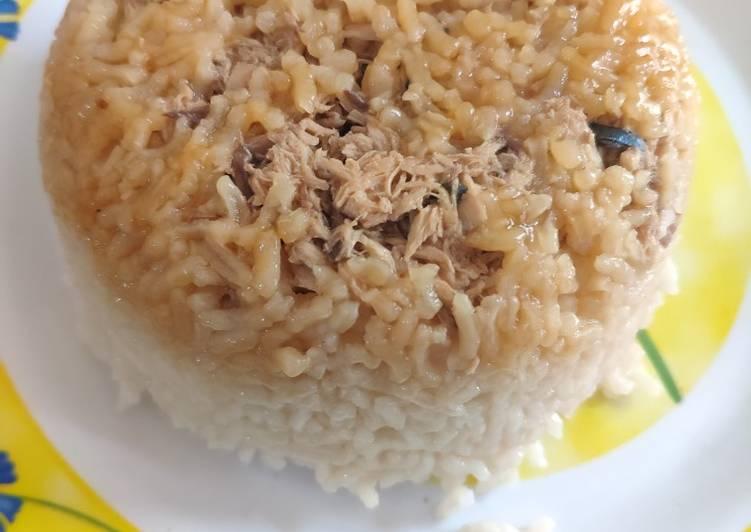 Nasi tim ayam ikan kembung