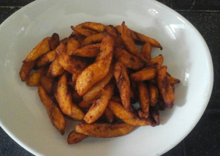Spicy fried plantain (kelewele)