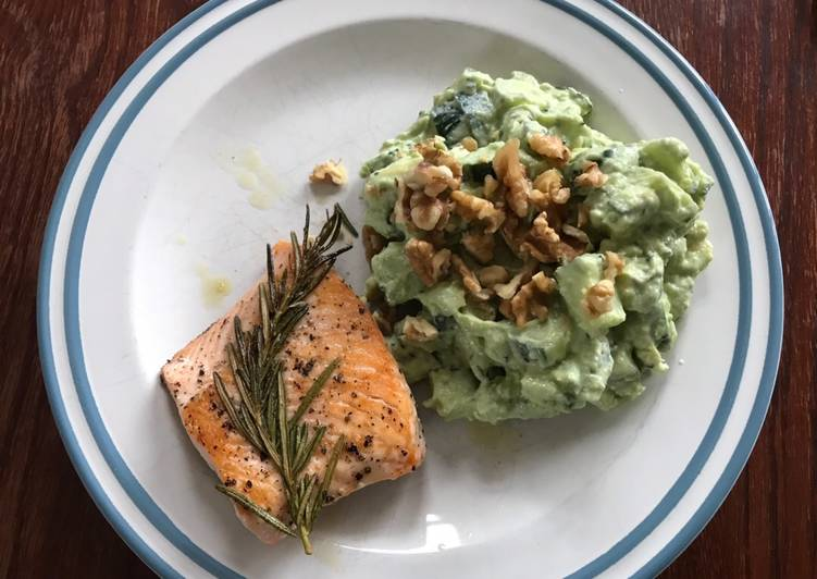 Salmon with cucumber guacamole