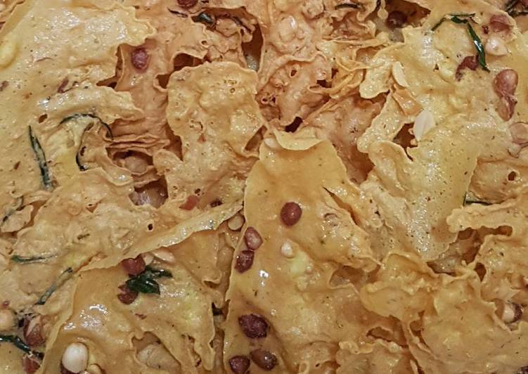 Rice Flour Peanut Crackers (Peyek Kacang)