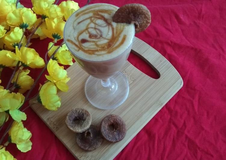 Dry Fig Smoothie
