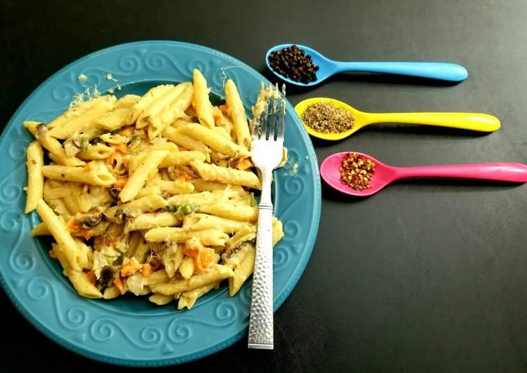 Cheesy Béchamel Sauce Penne Pasta
