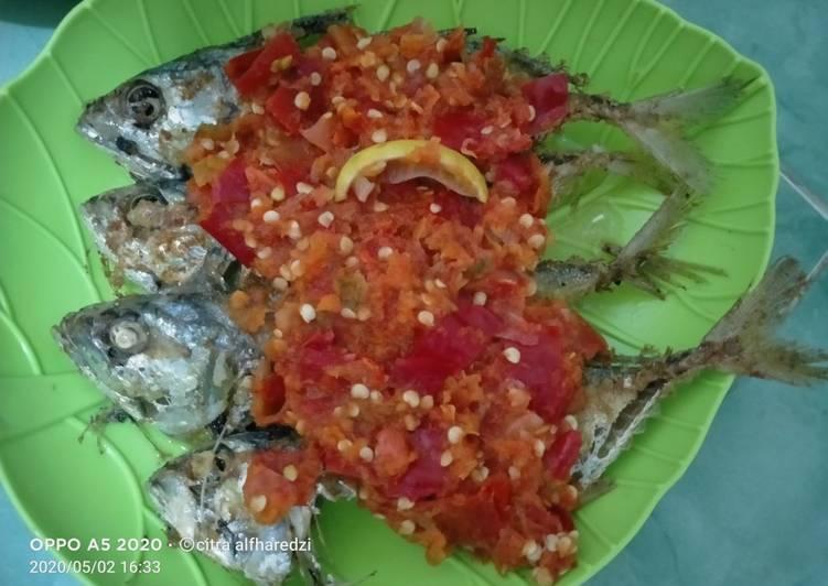 Ikan kembung sambal mentah