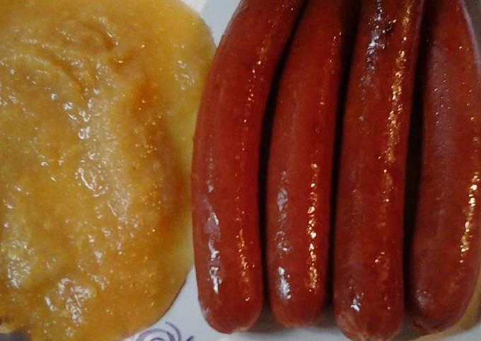 Hotdogs with applesauce