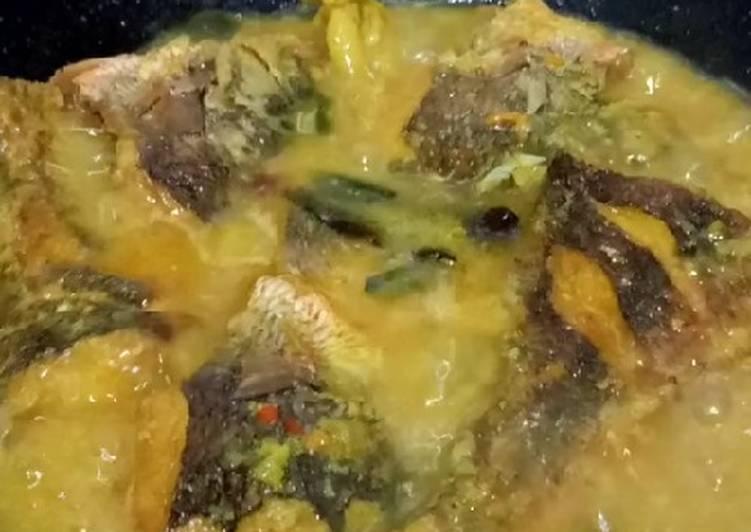 Mangut ikan ekor kuning