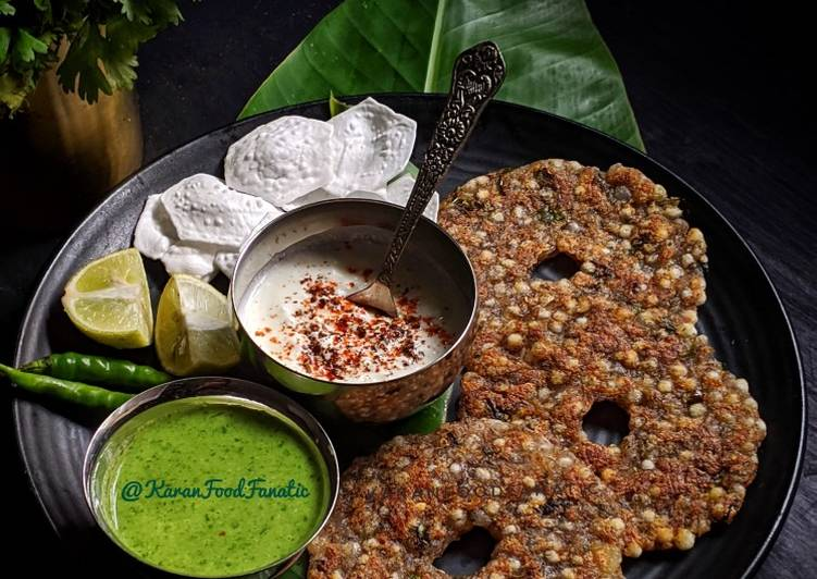 Step-by-Step Guide to Make Ultimate Sabudana Thalipeeth with Chutney