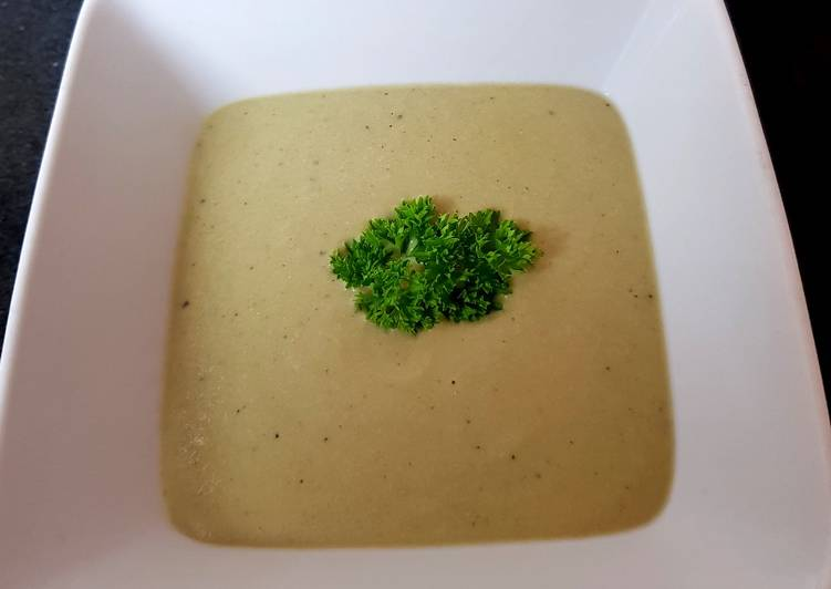 My Broccoli + Stilton Soup with Chicken. 😚