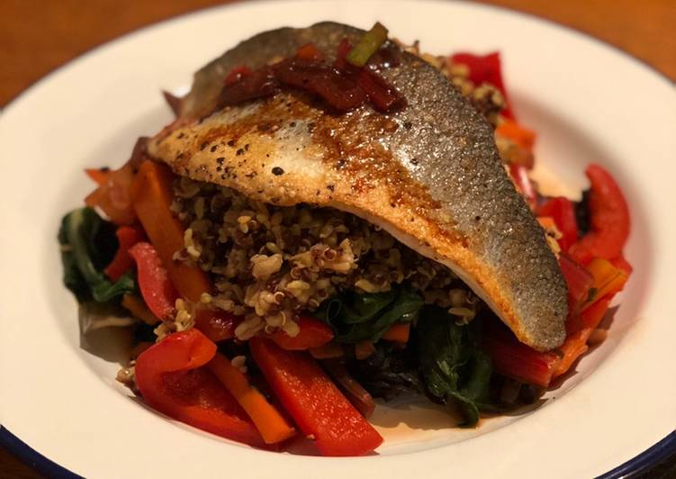 Recipe of Ultimate Seabass with teriyaki vegetables and dashi quinoa 🇯🇵