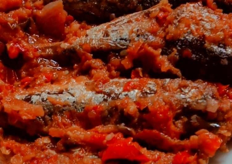 Ikan Pindang Keranjang Sambal Balado