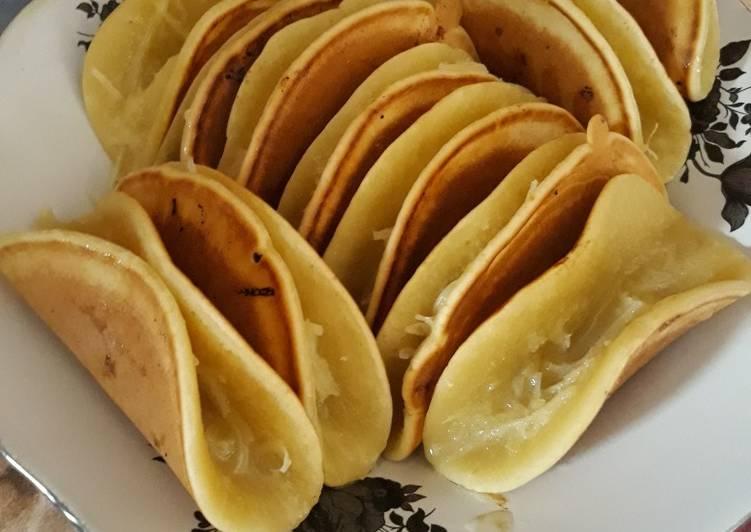Martabak manis lipat teflon - cookandrecipe.com