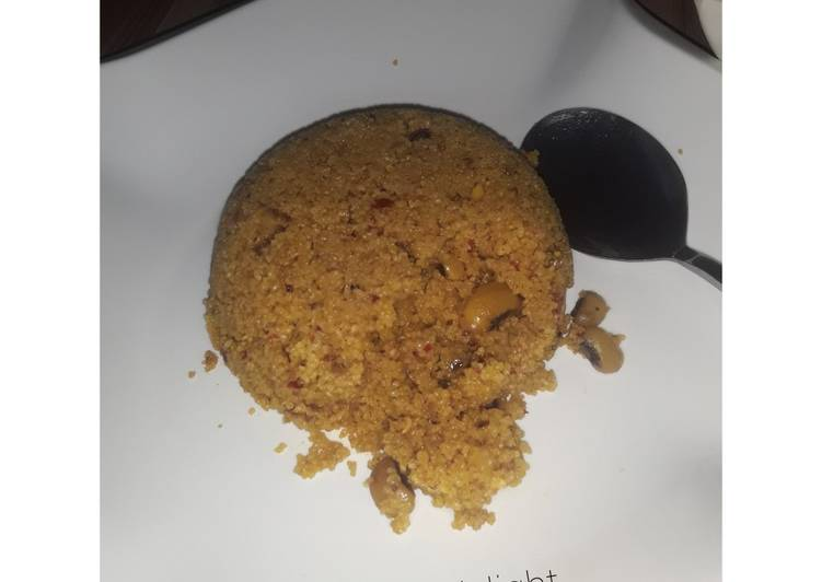 Jollof couscous with beans
