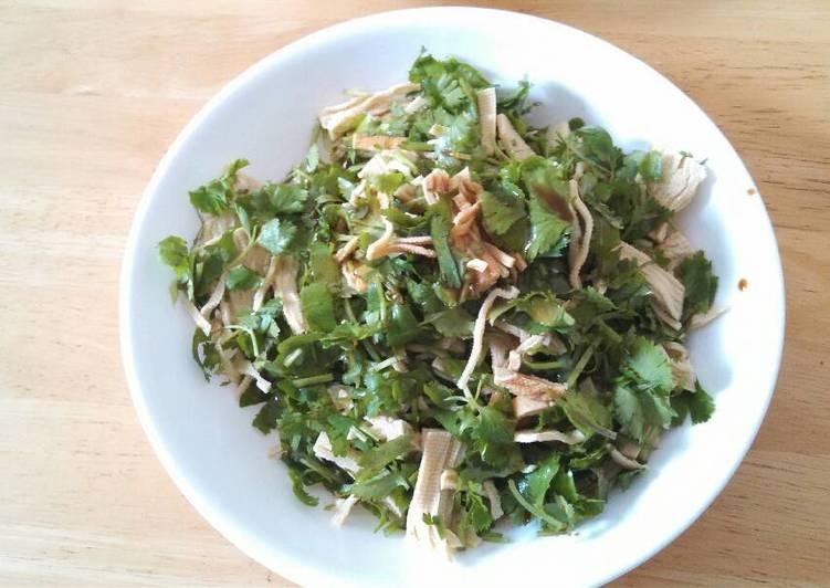 Recipe of Homemade Cilantro shredded tofu salad 香菜干丝#凉菜##vegan#