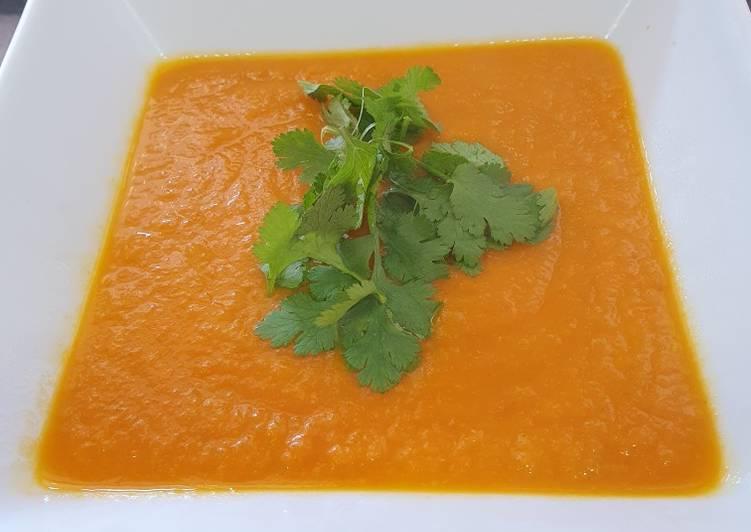 Crema De Zanahoria Al Horno Receta De Becky Cookpad En una sartén ponemos un chorrito de mantequilla, salteamos las zanahorias y les añadimos el caldo de verduras para que puedan. crema de zanahoria al horno receta de