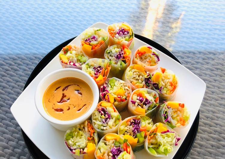 Recipe: Yummy Rainbow Vegetables Rolls with Peanut Sriracha Dipping Sauce